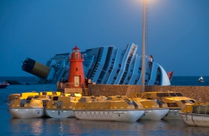 Collision_of_Costa_Concordia_24