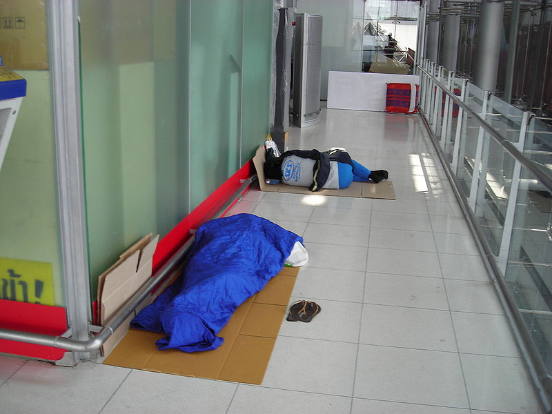 Sleeping-in-the-airport