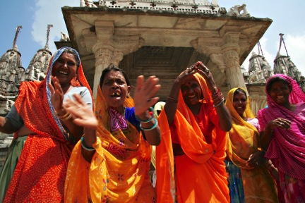women in india sing and dance