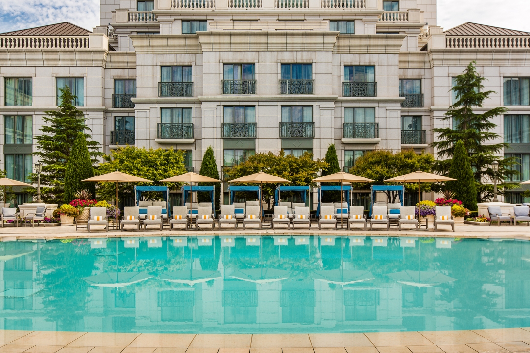 Grand-America-outdoor-pool-1