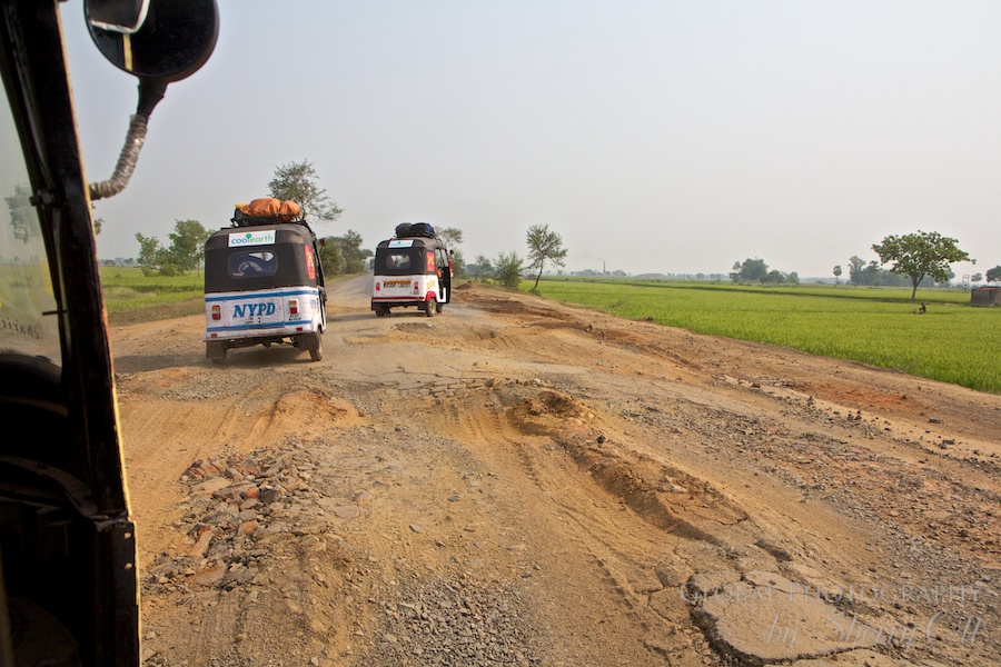 Brave - Driving a rickshaw through India for 2000 miles