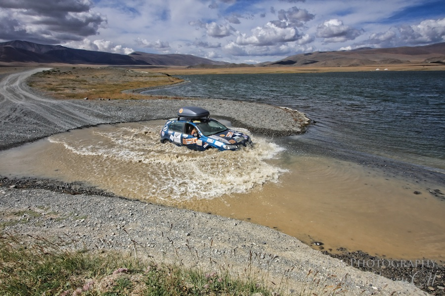 Brave - driving in Mongolia with no roads for the Mongol Rally