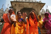 Smile - women singing to me in India